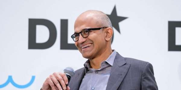 Microsoft dosáhl na příjem 20 miliard dolarů pouze z cloudu, výrazně překonal původní plány | Microsoft.com https://news.microsoft.com/europe/2017/01/13/satya-nadella-to-talk-ai-at-dld-digital-conference/