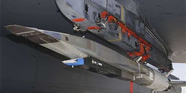 X-51A Waverider na B-52.