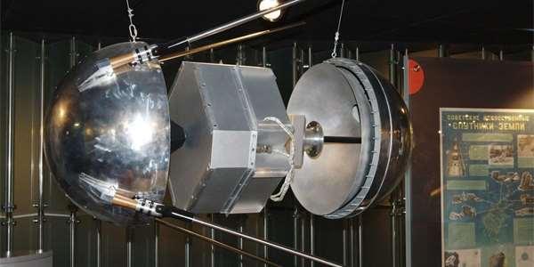 60 let Sputniku