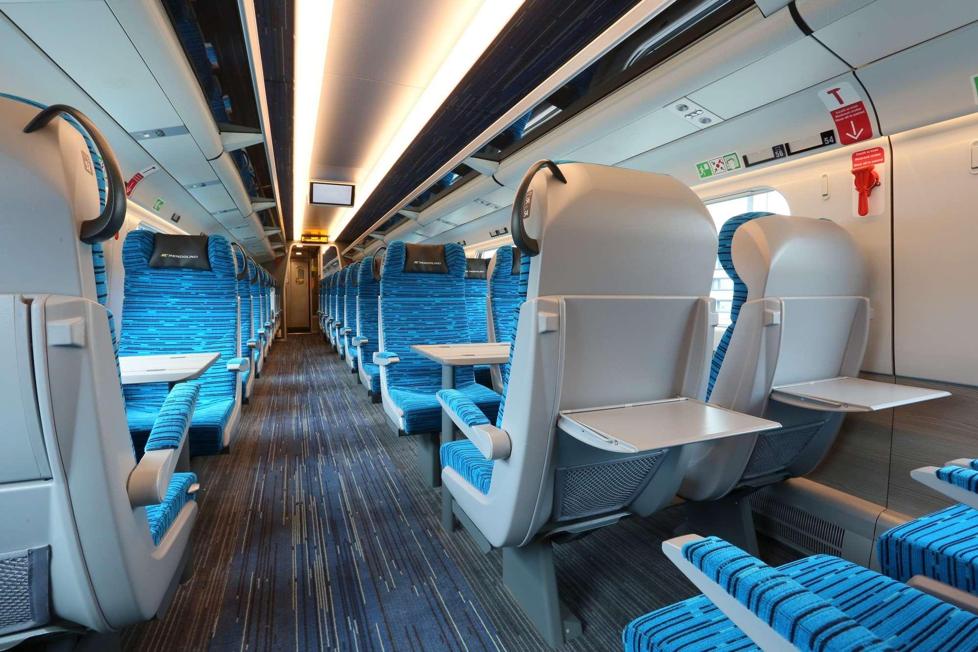 1a2db5c5747 V obou třídách najdeme místo původního linolea koberec. Druhá třída má  sedačky potažené novým textilním ...