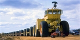 Gigantické pozemní vlaky: Na podhuštěných pneumatikách pomáhaly odvracet jadernou apokalypsu