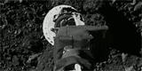 Vesmírné zprávy: Sonda odebrala z planetky Bennu výzkumný materiál. Kontakt trval pár sekund