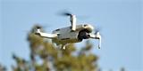 Máte dron, nebo ho plánujete pod stromeček? Dnes ve 12:00 začíná jejich povinná registrace