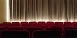 """Zavřená kina se stěhují na web. Internetový projekt Moje kino LIVE """"promítá"""" filmy každý večer"""