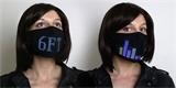 Zábavná ochrana před koronavirem: obličejová maska s LEDkami zobrazuje texty a animace