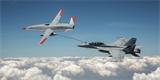 Dron US Navy vstoupil do historie prvním doplněním paliva pilotovanému letounu