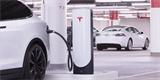ELONOVINKY: Tesla inovuje a zvýší dojezd elektromobilů o polovinu