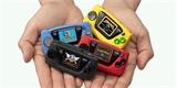Miniaturizace v praxi: prťavá herní konzole Sega Game Gear Micro je o 92 % menší než originál