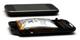 EU bude vyžadovat snadněji vyměnitelné baterie v mobilech, naznačuje uniklý dokument