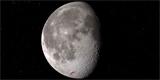 Na Měsíci je voda nejen ve stínu kráterů, ale i na místě, kam svítí slunce, odhalila NASA