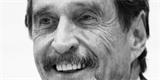 Svérázný antivirový mág John McAfee spáchal sebevraždu. Čekal ve vězení na vydání do USA