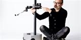 Bývalý vysoký manažer Googlu ukázal robota Stretch RE1. Vysaje, utře prach a stojí jako nová škodovka