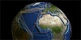 IT libůstka. Programátor naskládal všech 426 podmořských optických kabelů na 3D glóbus