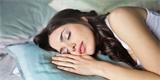 Britští vědci upravili přístroje pro léčbu spánkové apnoe pro potřeby pacientů s COVID-19