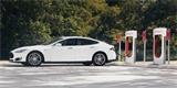 Nový americký prezident chce nahradit státní vozový park elektromobily. Jde o statisíce vozů