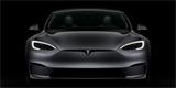 Zní jako tramvaj a nechce se jí do zatáček, přesto Tesla Model S Plaid urvala rekord na Nürburgringu