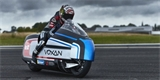Elektrická motorka Voxan Wattman chce překonat rychlostní rekord. Chladit ji budou suchým ledem