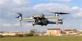 Chcete si koupit rekreační dron s hmotností nad 250 gramů? Možná raději ještě rok počkejte