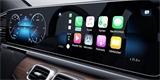 Android Auto a Apple CarPlay představují v autech větší nebezpečí než alkohol v těle řidiče