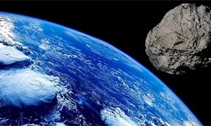 """Kolem Země proletěl """"zabiják měst"""". Velkého asteroidu si ale do poslední chvíle nikdo nevšiml"""